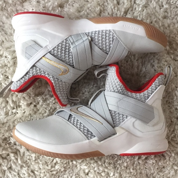 detailed look ed658 26a01 Nike Lebron James Soldier XII AO2609-002 Platinum NWT